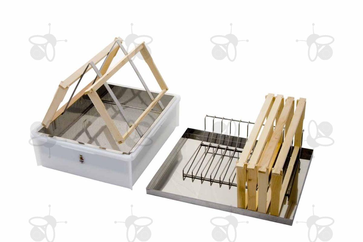 logar entdecklungsgeschirr f r zwei personen mit deckel und wabenablage 8025 honigschleudern. Black Bedroom Furniture Sets. Home Design Ideas